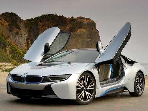 کارشناسی-خودرو-ایمن-ران-BMW-به-رنگ-سفید